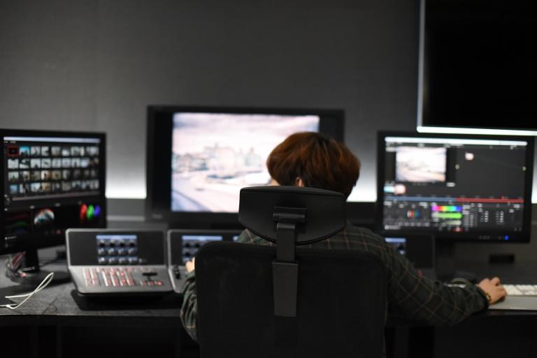 로커스 VFX 스튜디오 내부를 살짝 공개합니다